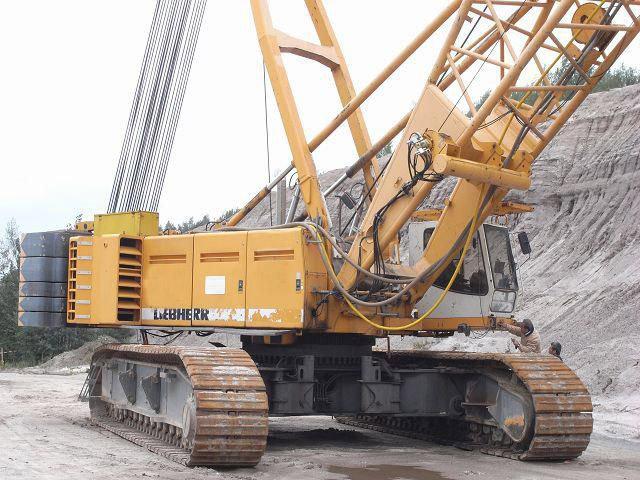 Grue sur chenilles de 350 tonnes