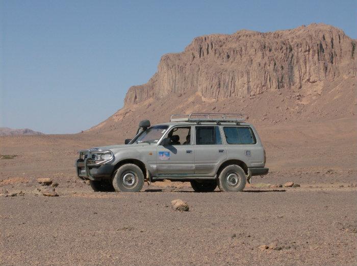 السيارات رباعية الدفع في المناطق الصحراوية