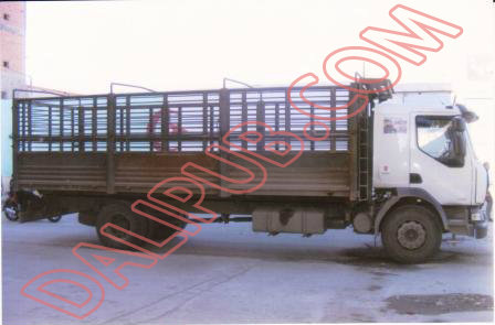 شاحنة بحمولة 12 طن