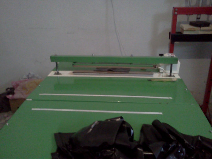 آلة صناعة الكياس البلاستيكية - يدوية