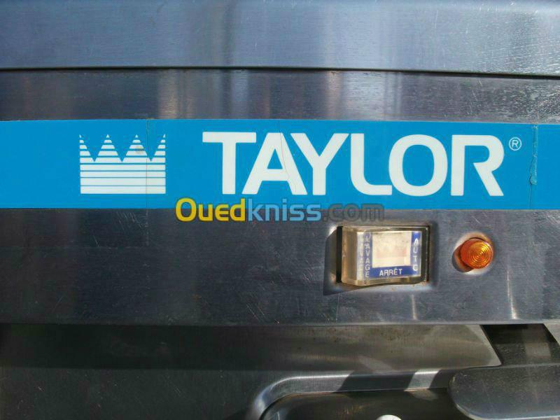 ماكينة صنع المثلجات Taylor