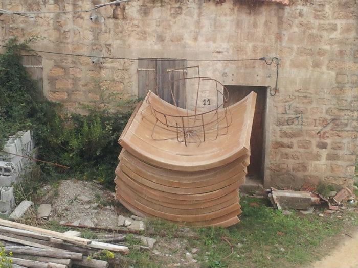 خزان مائي مصنوع من لاريزين مفكك يستعمل في ستاسيون دو بيراسيون