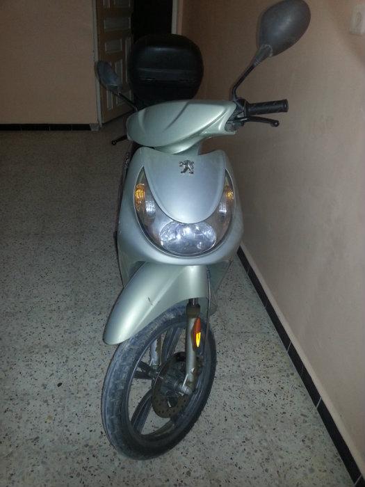 Moto peugeot looxor