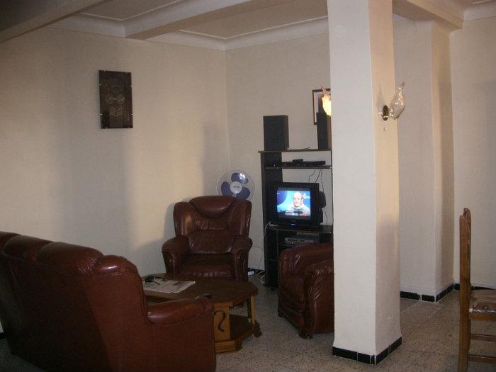 Appartement à F3 de 100m2 Meuble