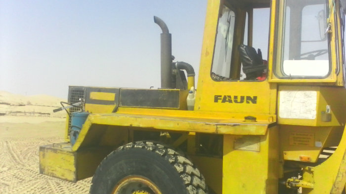Chargeur sur pneaux FAUN 1310