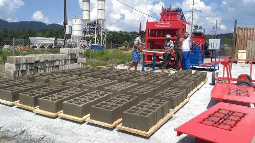 Machine de brique semiautomatique