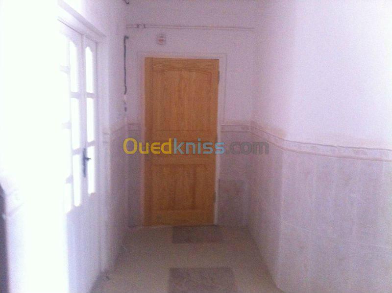 Appartement F4 122M² BATNA