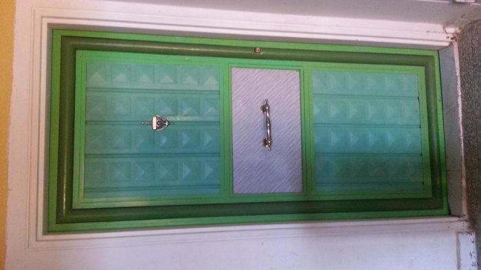 شقة مفتاح بالطابق الارضي بحي 5 جويلية