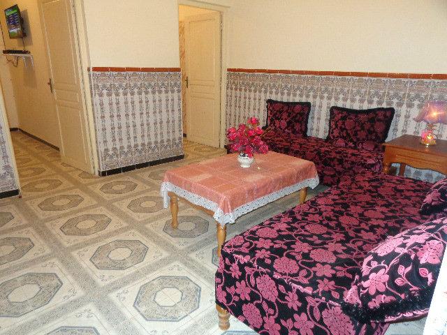 شقق ذات غرفتين او ثلاث غرف