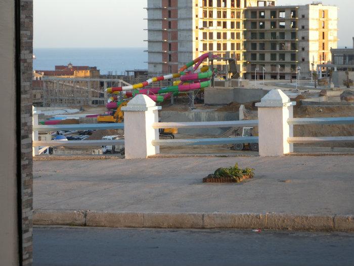 Local très bien situé en face Mostaland