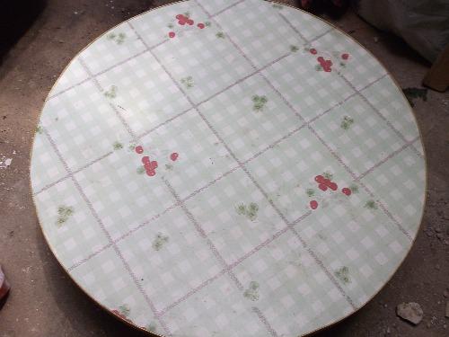 UNE TABLE BASSE ROND À VENDRE DIAMETRE 92 Cmf