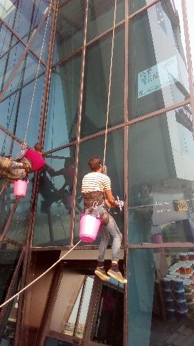 شركة نظافة مصرية ممتازة   يونيتد ستار فن نظافة المنازل فى مصر