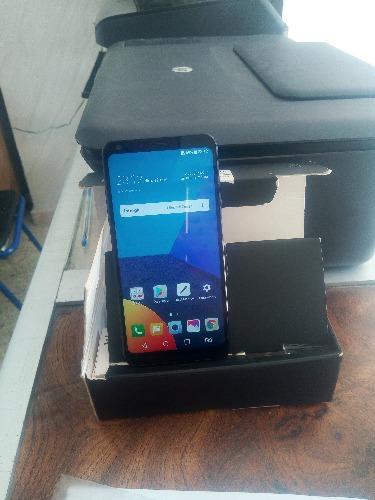 Téléphone LG Q6