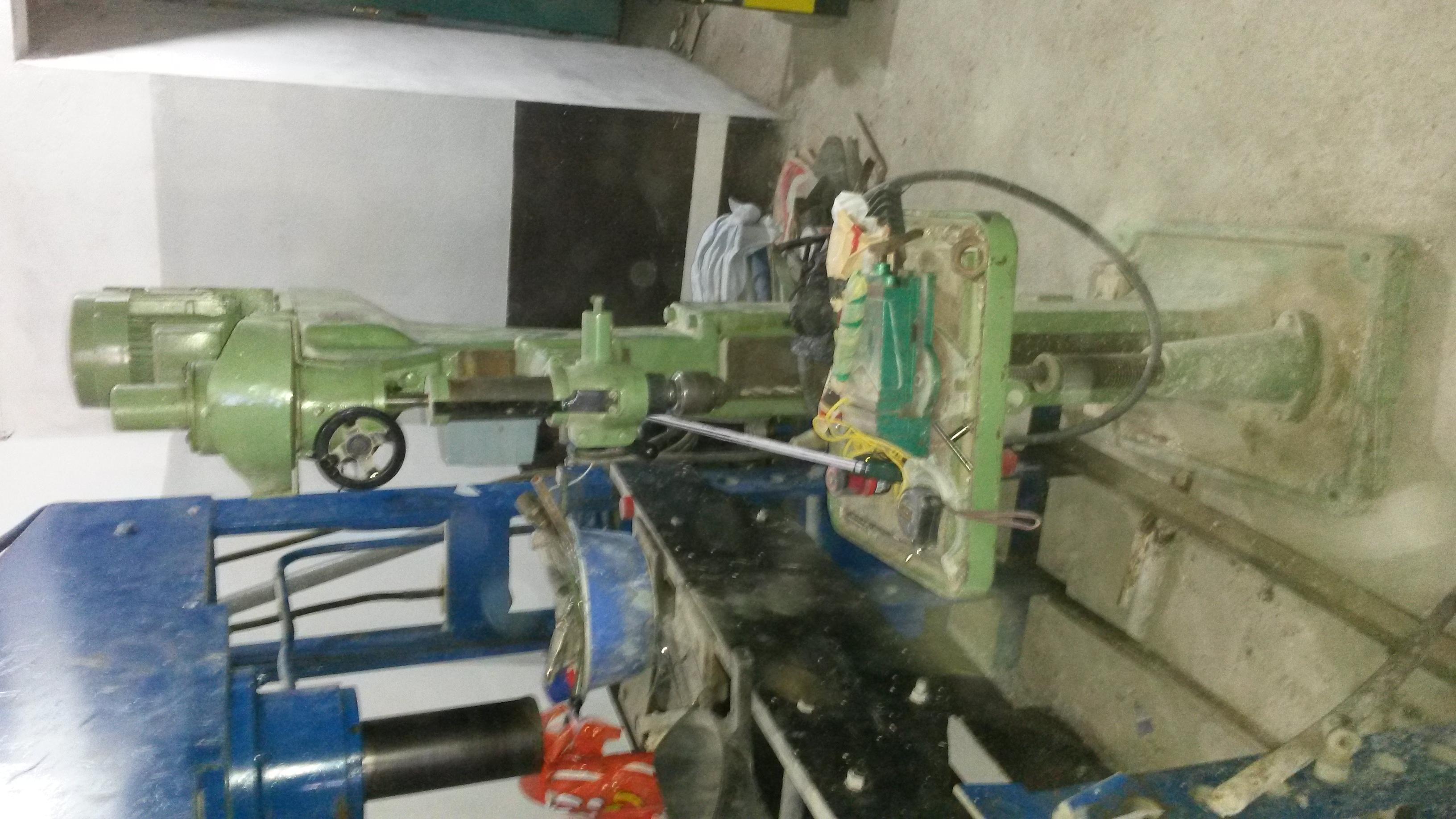 tour/fraiseuse/presse hydraulique/persseuse