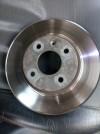 disque de frein avant ventilé  04 trous   pour chevrolet sonic hatchback 1.6  LS  2013